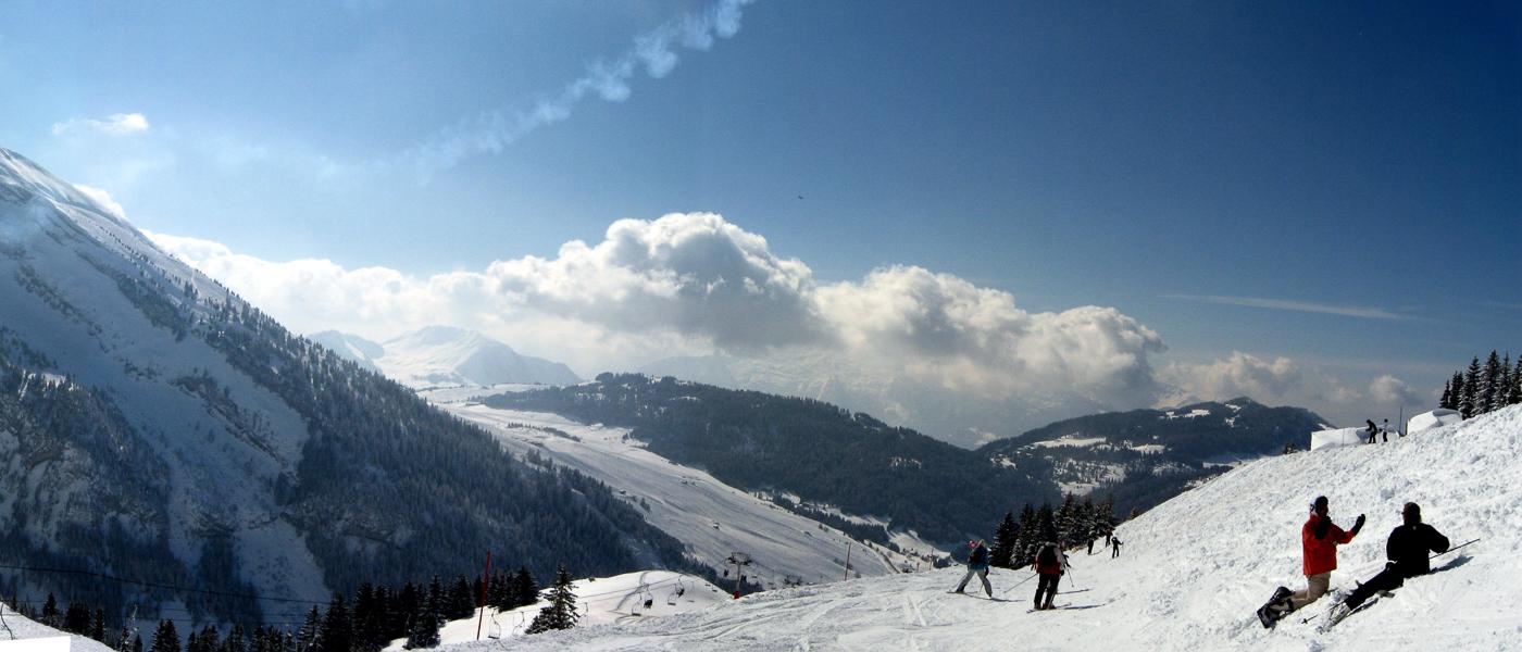 Short ski breaks with Ski Weekender