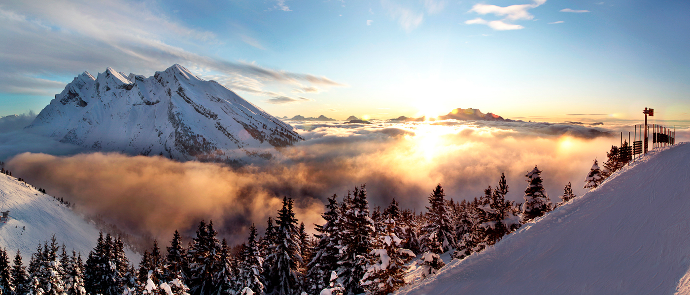 Sunset over La Clusaz in the French Alps for your ski weekends