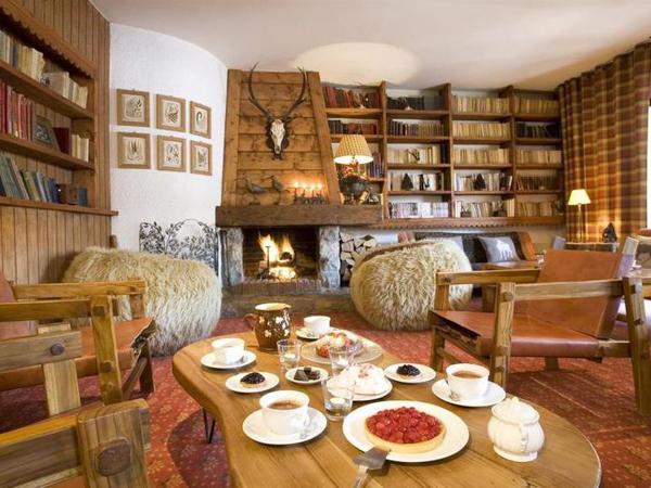 Saytels Lounge