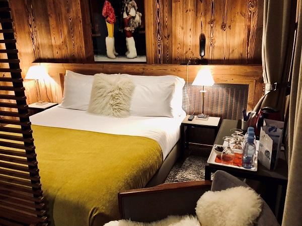 Hotel Coeur des Neiges cosy bedroom