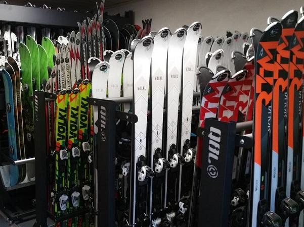 Hotel Chemenaz onsite ski hire